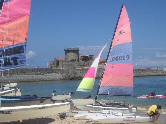 Fort et bateau