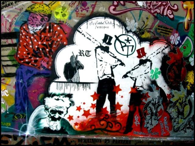 Fresques urbaines éphémères