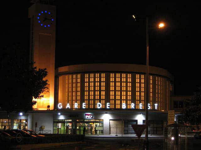 Gare de Brest by night