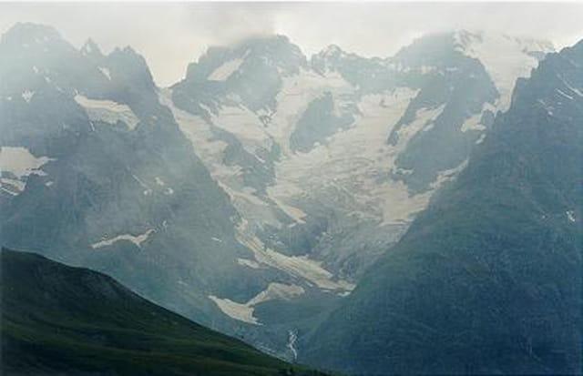 Glacier de l'Homme sous la brume
