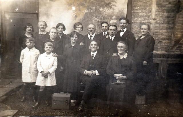 Grand mère à droite