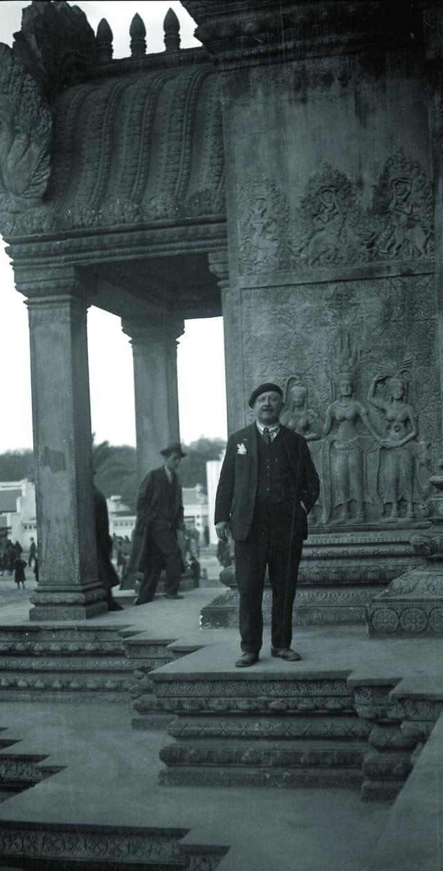 Grand père au temple d'Angkor