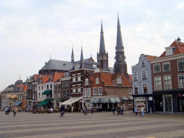 Place de la mairie à Delft