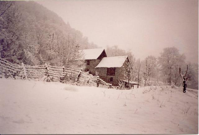 Granges sous neige