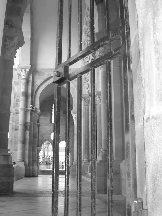 Grille de la Cathédrale St Lazare