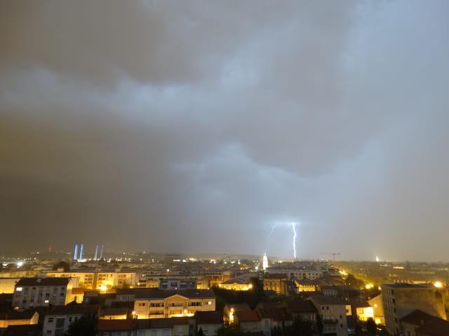 Gros orage sur bordeaux cette nuit 6
