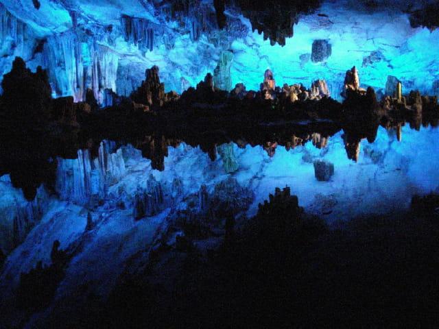 Grotte des flûtes de roseaux