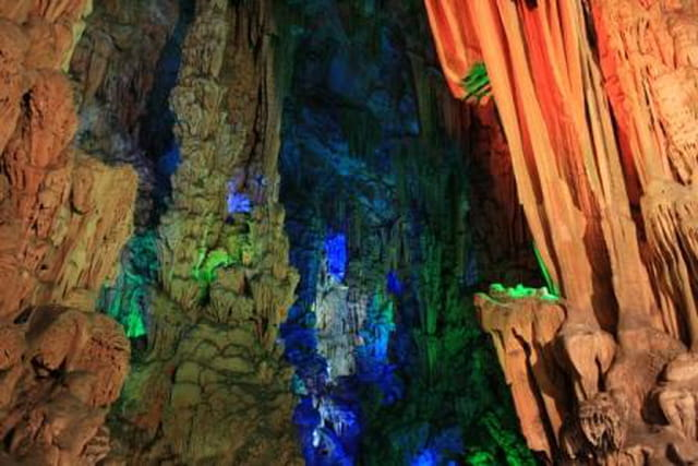 Grotte en lumière