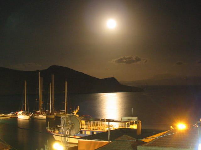 Halki sous la pleine lune