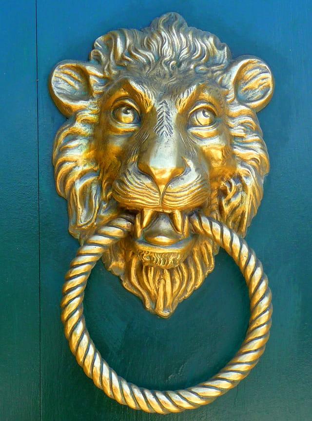 Heurtoir t te de lion par claudine crevola sur l 39 internaute - Heurtoir de porte tete de lion ...