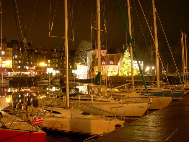 Honfleur - Christmas Night