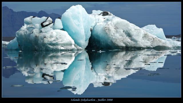 Iceberg dans le lac du Jokulsarlon
