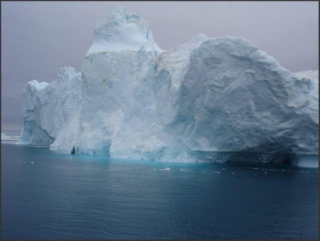 Iceberg et son reflet