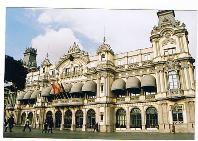 Immeuble du port de barcelone