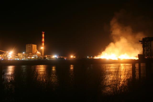 Incendie à l'usine à papier