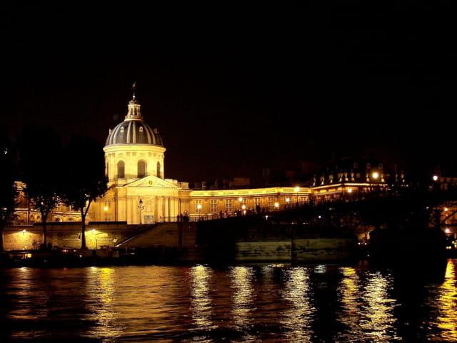 Institut de France de nuit