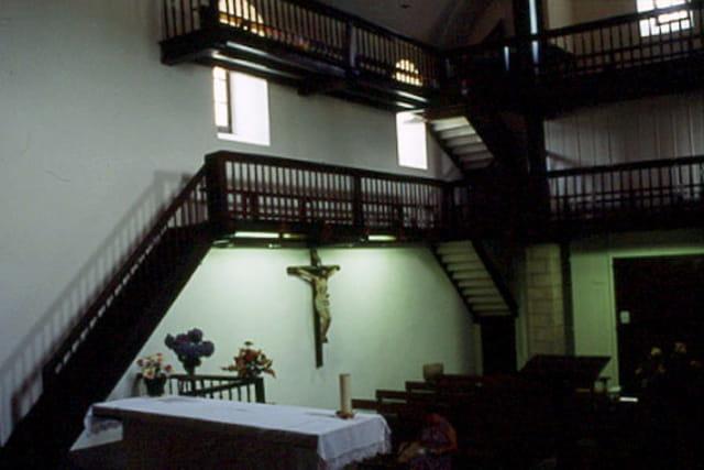 Intérieur d\'une église Basque