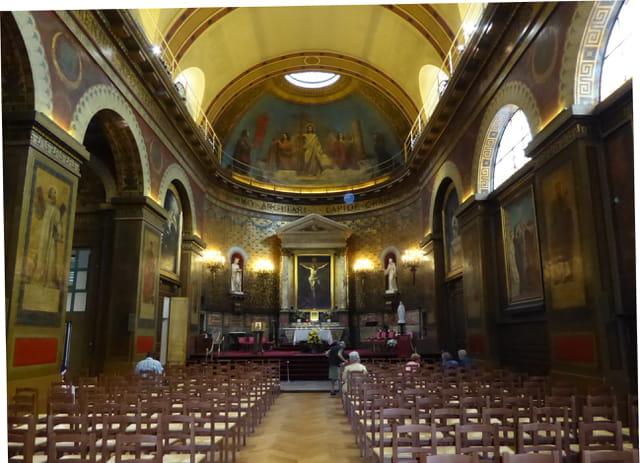 Intérieur de l'église St Louis d'Antin
