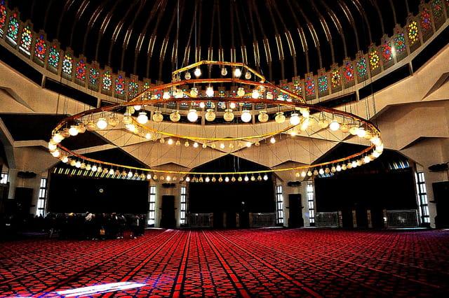 Intérieur de la Mosquée du roi Abdallah