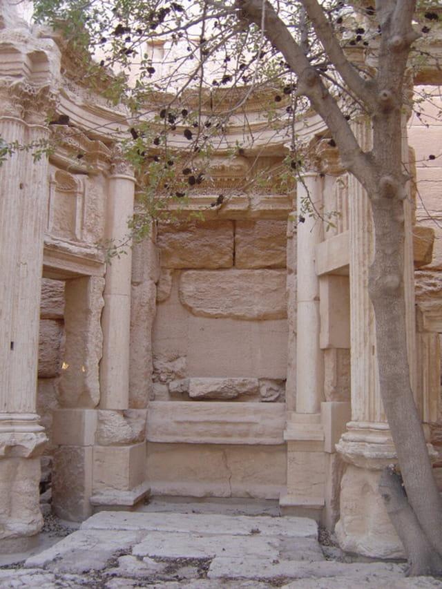 Intérieur temple de Balshamin