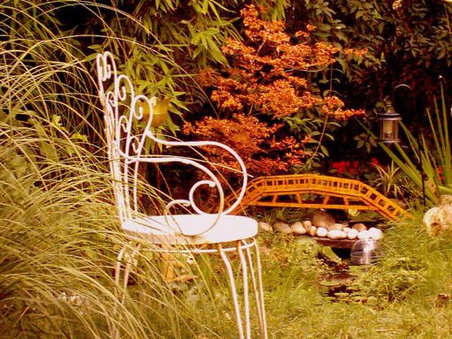 d tente au jardin par patrick maze sur l 39 internaute. Black Bedroom Furniture Sets. Home Design Ideas