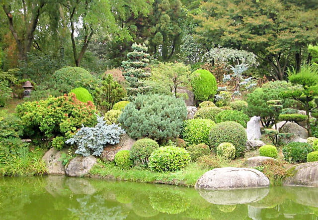 jardin japonais par laurent duveau sur l 39 internaute. Black Bedroom Furniture Sets. Home Design Ideas