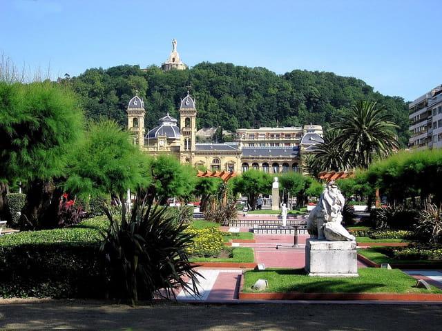 Jardins de l'hôtel de ville-San Sebastian (9)
