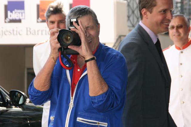 Jerry Lewis photographiant ses fans