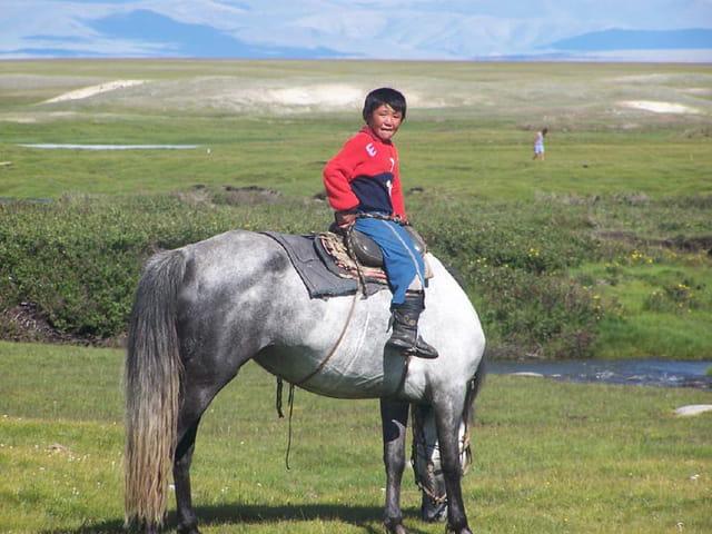 Jeune kazahk et son cheval