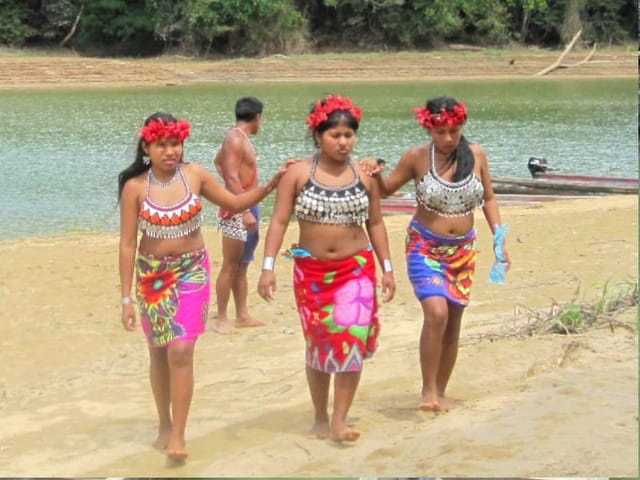 Jeunes indiennes Emberas