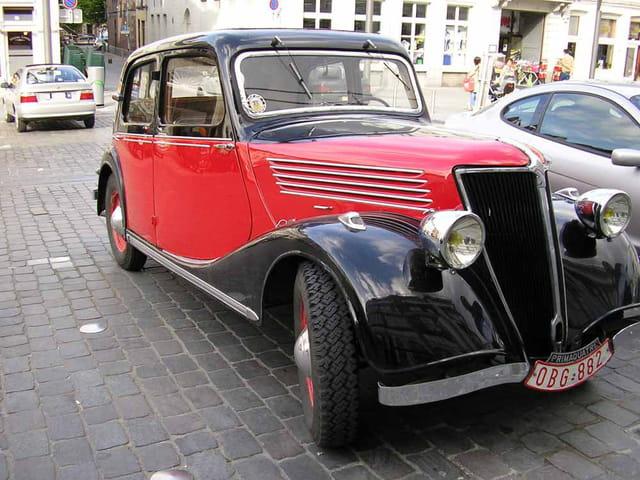 Jolie vieille voiture