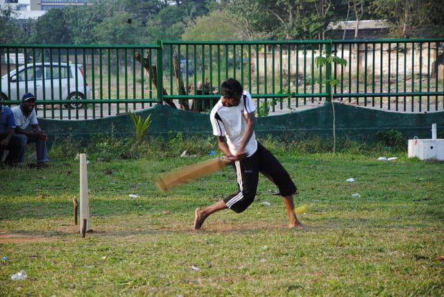 Joueur de cricket à Colombo.