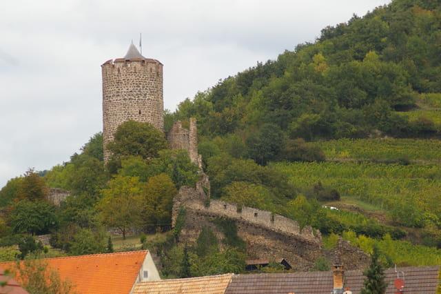 Kaysersberg : le château et rempart
