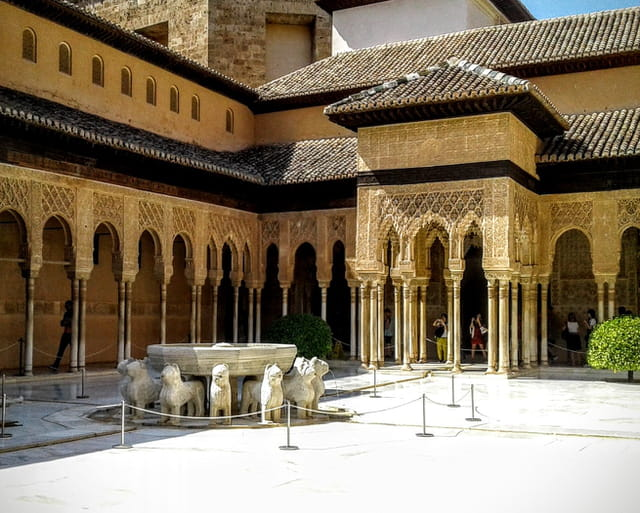 L'Alhambra , le patio de los leones