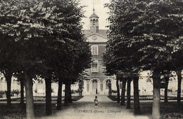 L'ancien Hôpital St Louis à Evreux