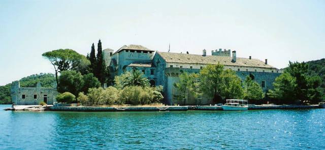 L'ancien monastère