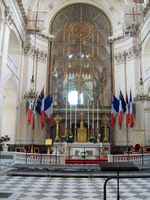 L'Autel de l'église St Louis des Invalides