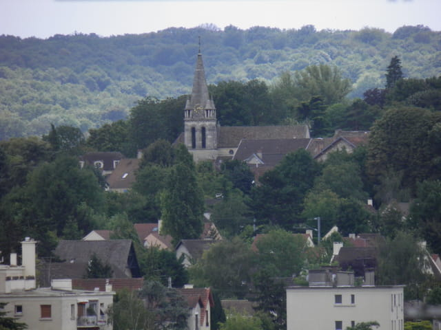 L'église de Mareil-Marly, vue depuis Saint-Germain-en-Laye