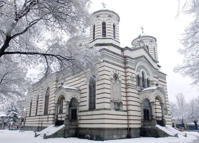 """L'eglise orthodoxe """"St.Nicholas"""" sous la neige"""