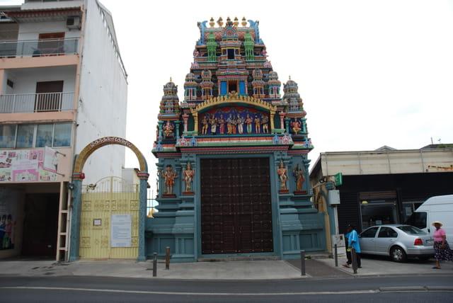 l'entrée du Temple Tamoul