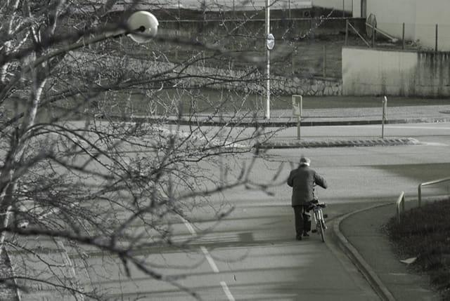 L'homme et sa bicyclette