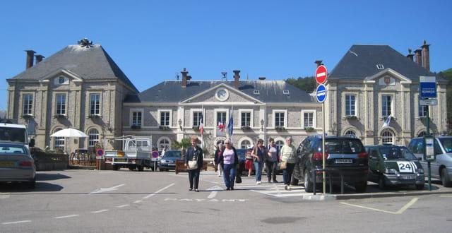 L'Hôtel-de-Ville d'Etretat