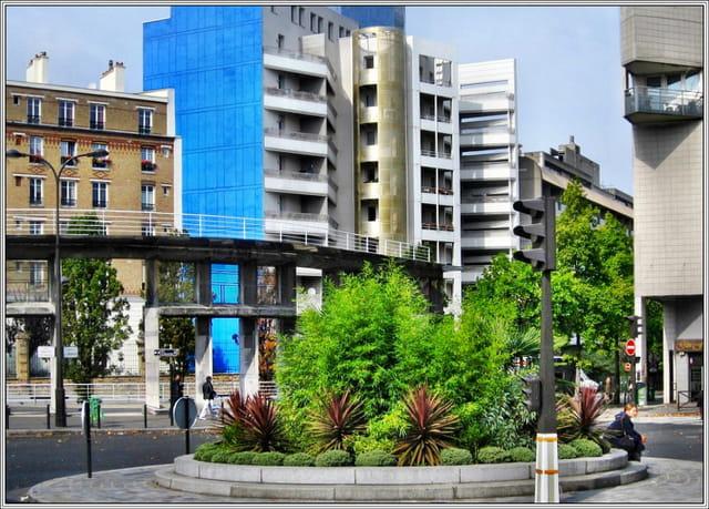 L'immeuble au pignon bleu