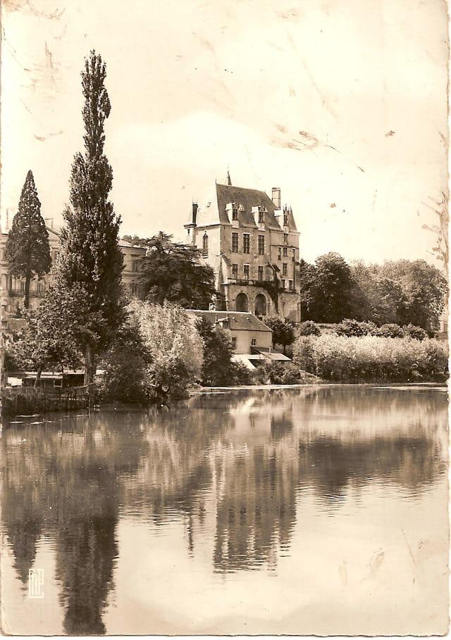 L' Indre et le château Raoul