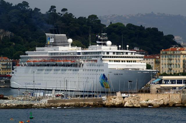 L'Island star à tribord