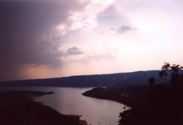 L'orage sur le lac de Ste Croix