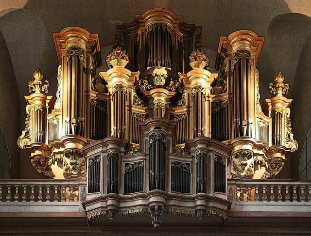 l 39 orgue de saint maximin par didier thomas sur l 39 internaute. Black Bedroom Furniture Sets. Home Design Ideas