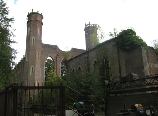 L'usine-cathédrale de Pont-Saint-Pierre (27)