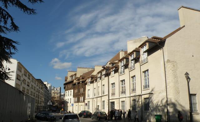 Là, à Paris, où coulait la Bièvre : les petites manufactures.