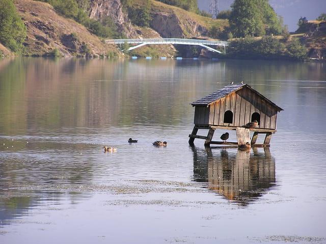 la cabane du lac par jean paul mateo mat o sur l 39 internaute. Black Bedroom Furniture Sets. Home Design Ideas